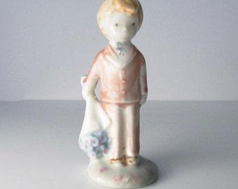 Porcelain Kinka Raecath Enesco Boy Figurine With Bouquet Flowers 1989 #116572