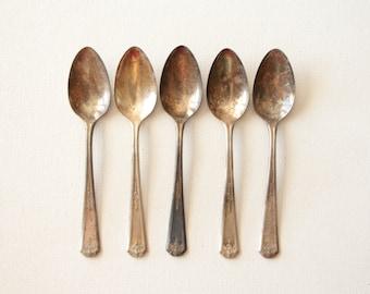 Vintage set of 5 Oneida Community made Tudor plate spoons / vintage tea spoons from 1920s