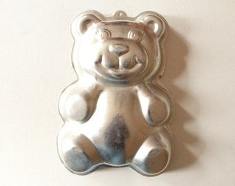 Vintage Wilton cake pan of teddy bear 1986 / aluminum cake pan - bear / birthday cake mold model 2105-9402