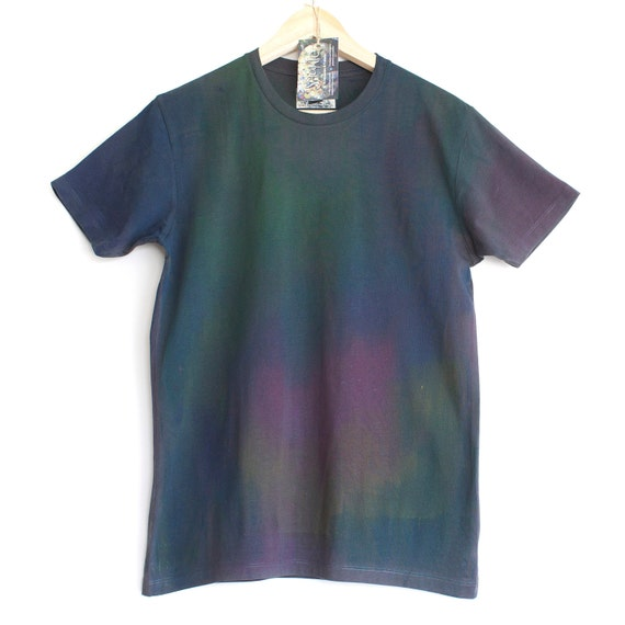 DIESEL SPILL . Dark t-shirt with gradient colour print. Hand Painted t shirts. Dark and gradient colour t shirt.