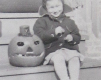 Vintage 1930's Little Girl And Her Jack O Lantern Halloween Snapshot Photo - Free Shipping
