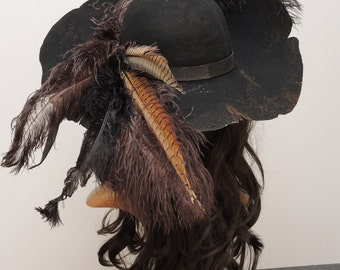 Barbossa Pirate hat / / Pirate hat / / Barbossa steampunk / / Gothic / / black felt hat with feathers / LARP accessory mask magic black