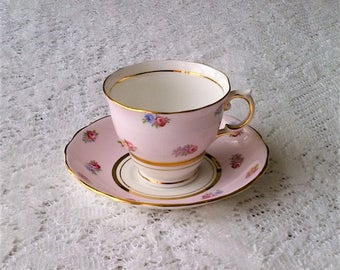 Colclough Light Pink Rose Floral Bone China Tea Cup and Saucer - Made in England