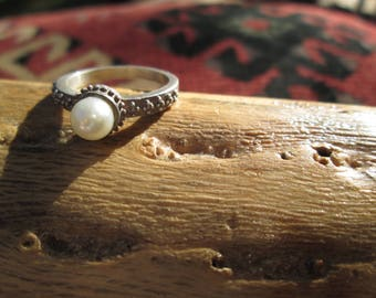 Vintage Pearl and Sterling Silver Ring Size 5.75