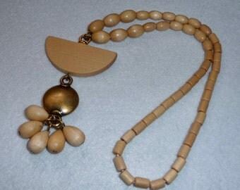 K. Aarikka (Finland). Necklace. Wood. Vintage.