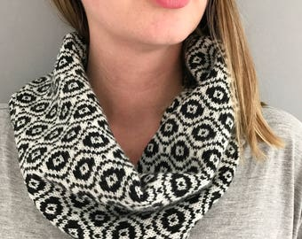 Monochrome ladies knitted cowl, black and white lambswool snood, knit cowl, black cowl, ladies knitted lambswool cowl, handmade snood