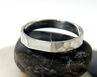Mens hammered wedding band, women and mens hammered wedding ring, hammered silver ring