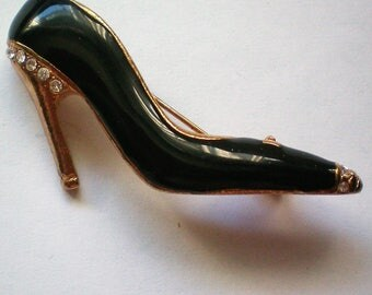 I Love Shoes Figural Pin - 5085