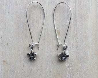 Long kidney earwires with fleur de lis charm