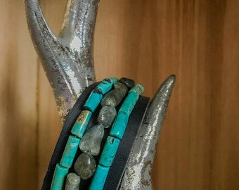Turquoise // natural stone // leather // bracelet