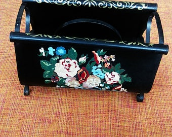 50's Vintage Tole Black Metal Magazine Rack / Floral Hand Painted Magazine Rack / Shabby Chic Home Decor / Storage / Cottage Chic / Home