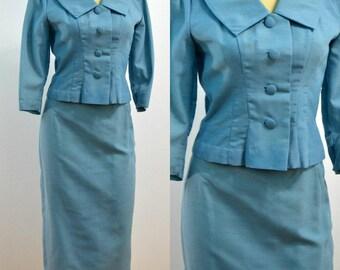 Vintage Summer Suit / 1960s Suit / 50s 60s Suit /  Pastel Blue Two Piece Suit / X-Small XS / Small S / Mid Century / Pencil Skirt / Crop Top