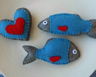 Set of 3 refrigerator magnets.Fish magnets.Heart magnet.Felt magnets.Kitchen Decor