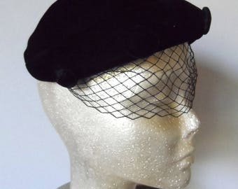 Vintage 1940's Black Velvet Pillbox Hat* Birdcage Veil . Covered Buttons . Forties . Hatpin . Elegant . Classy . Wedding . Funeral .