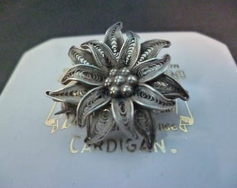 "Stunning vintage filigree silver flower brooch - 925 - sterling silver - 1.1"" x 1.1"""