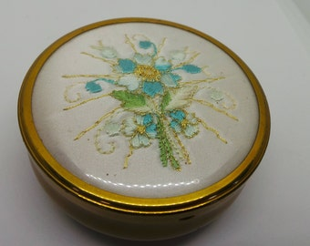Vintage trinket / jewelry box with embroidered flowers