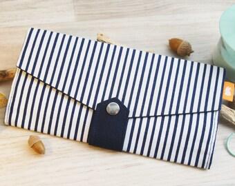 Portefeuille femme rayure bleue marine , Portefeuille rayure tendance, Pochette femme bleue et blanche, Pochette de soirée bleu, Porte carte