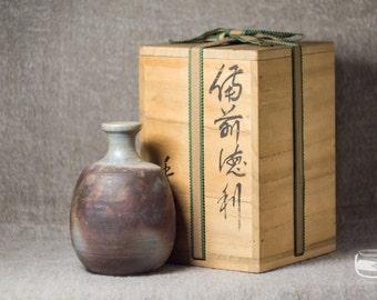 Tokkuri - sake bottle made in Bizen technique - vintage handmade with tomobako box *0452