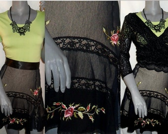 Betsey Johnson Boho/Chic Mesh/Lace Multi-Color Embroidered Floral Skirt Flared Hem 8