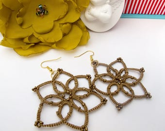 Gold Flower Earrings, Gold Bridal Earrings, Gold lace, Dangle Earrings, Tatting Jewelry, Frivolite earrings, Bohemian Jewelry, Gift for her