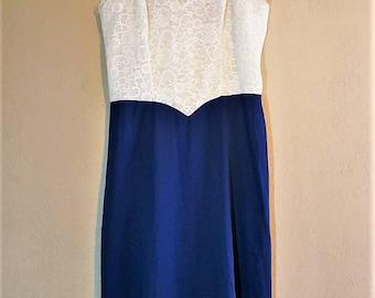 Summer Nylon Lace Dress Romantic Nightwear Dress- Vintage Nightie Slip Sleep Night Dress by Vanity Fair in Size 36T/M/L Pearl White Blue