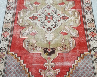Vintage Oushak Rug / 4 by 7 / Muted / Pastel / Red-Khaki / Boho / Low-Pile / Distressed Rug - 87 in x 48 in