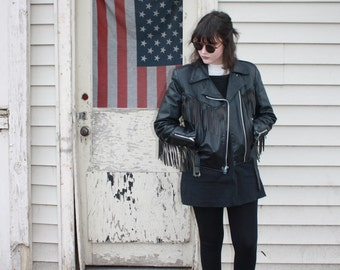 Perfect Vintage Black Leather Fitted Motorcycle Jacket