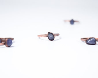 Tumbled tanzanite ring | Stone stacking ring | Copper & tanzanite stack ring | Electroformed jewelry | Birthstone jewelry | Birthstone Ring