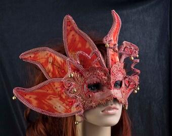 Venetian mask fairytale / / Venetian mask red / / masks with Strasschmuck / / masquerade ball