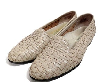 Vintage 90s Cream Woven Leather Slip On Loafer Flats Size 7.5