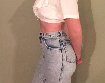 80s 90s vintage Nasty Woman acid washed skinny jeans ultra highwaisted VTG denim rocker mom hot pants cute detail bows cropped