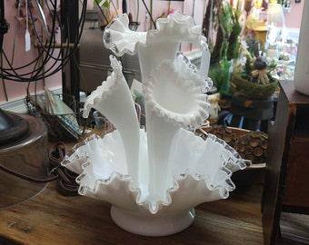 Stunning Vintage Fenton Silver Crest 5 Piece Milk Glass Epergne Vase!