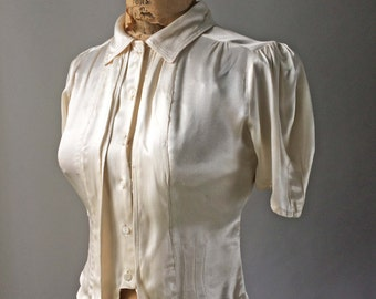 Special 1940s Liquid Silk Ultimate Glam Blouse Ivory Cream Buttons Up Original Belt