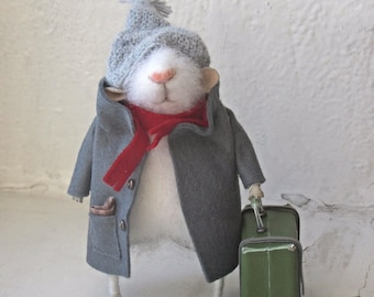 The little felt mouse.Felted Mouse, Mouse in a dress, Cute Felted Mouse.