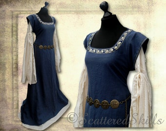 Medieval dress robe of linen and cotton - made, two-part
