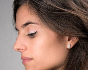 PONDUS Small Silver Bar Stud Earrings - Sterling Silver Geometric Earrings - Silver Minimal Stud Earrings - 3D Bar Earrings Small