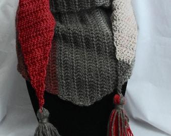 Boho triangle tassel scarf in Red/Grey