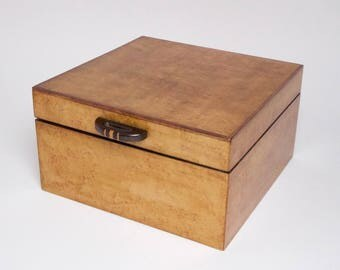Stylish 1930s English Art Deco burr maple wooden box