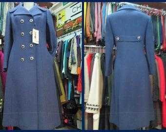 Cappotto blu anni 70.Doppiopetto. Fondo di magazzino.Tg.44/Beautiful 70s blue coat/Doublebreasted with back martingale/Deadstock/Size 8-10