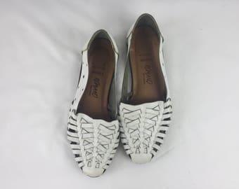 Vintage Huarache Sandals • White Woven Leather Shoes by Romano 80s 90s Vtg • Brazil • Sz 7 • Sarah • Genuine Leather Flats