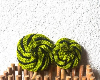 Green and sustainable sponges hand knitted