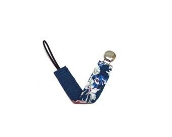 Pacifier clip stars blue