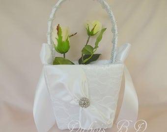 Flower girl basket, Ivory or White flower girl basket, Wedding basket, Lace flower girl basket, Wedding decorations