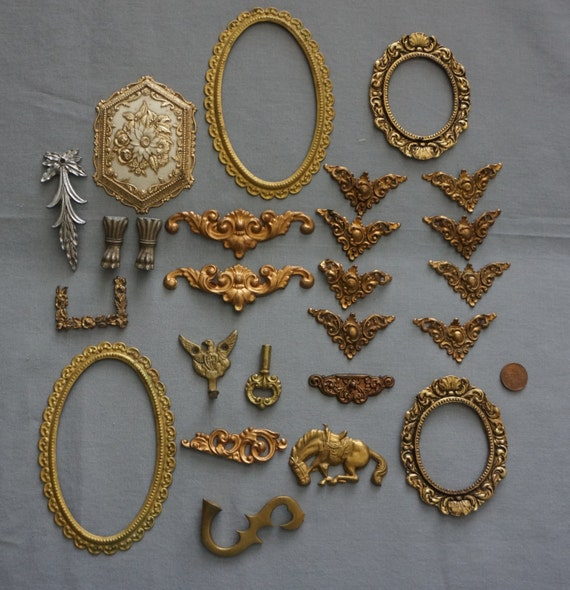 Antique decorative lot of 25 brass pieces hardware furniture for Antique decoration pieces