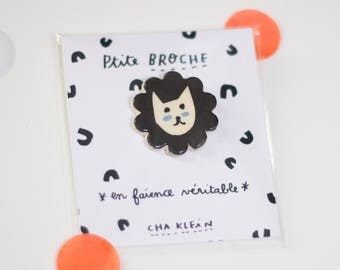 Brooch *Black cat with blue cheeks*