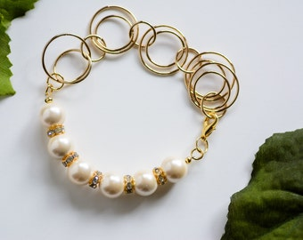 Chunky Pearl and Chain bracelet