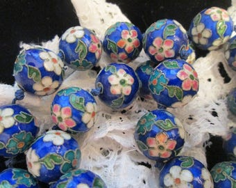 Beautiful  Vintage Chinese Cloisonne  Floral beaded necklace