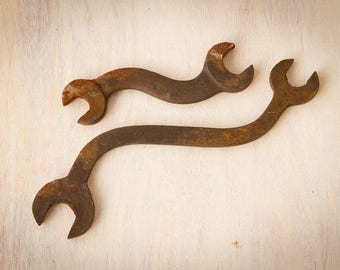 Vintage Iron Wrenches   Set of 2 Wavy Curved Wrenches   Rusty Tools   Industrial Salvage Steampunk   Art Rust Decor Ideas