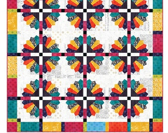 Daisy - Quilt Pattern by Color Girl Quilts / Precut, Fat Quarter or Layer Cake, Scrap Friendly Dresden Plate Pattern