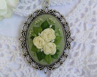 SG3 green spring necklace